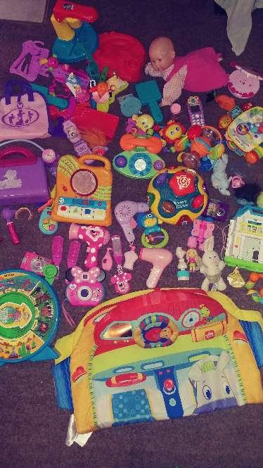 Imagen juguetes la mayoria son de vateria