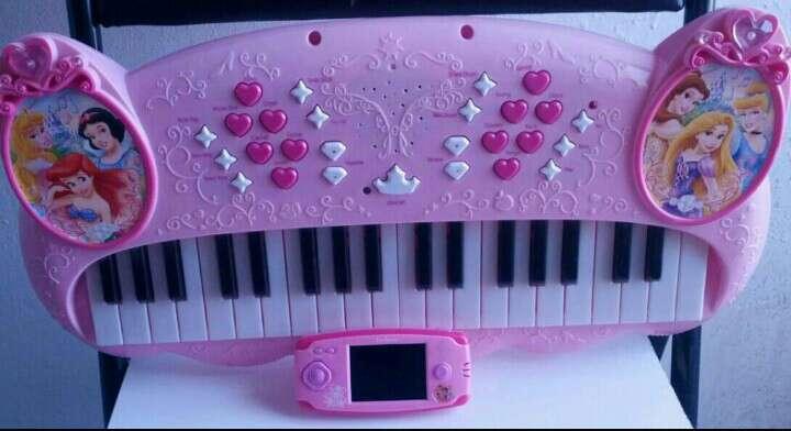 Imagen producto Consola con 150 juegos y un teclado  2