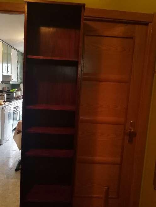 Imagen producto Vendo librería de color marrón 2 metros de alto 25 de fondo 45 de ancho  4
