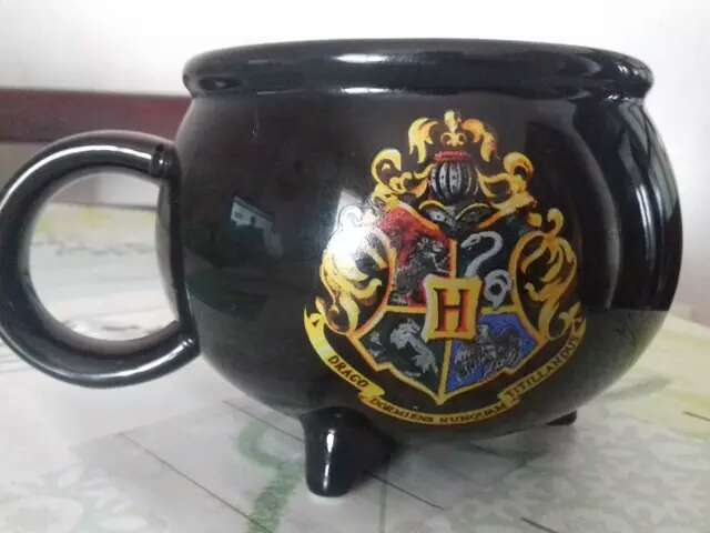 Imagen Taza caldero de Harry Potter HOGWARTS
