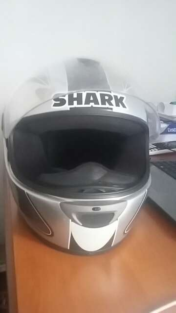 Imagen producto Casco de moto marca SHARK 3