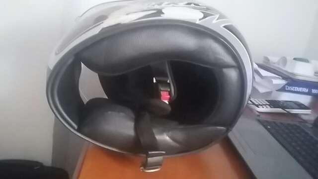 Imagen casco de moto marca SHARK