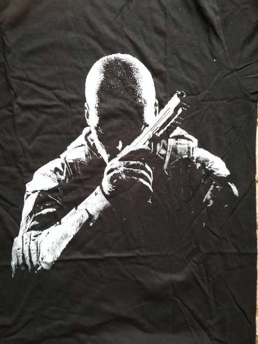 Imagen producto Camiseta oficial call of duty black ops ll 4