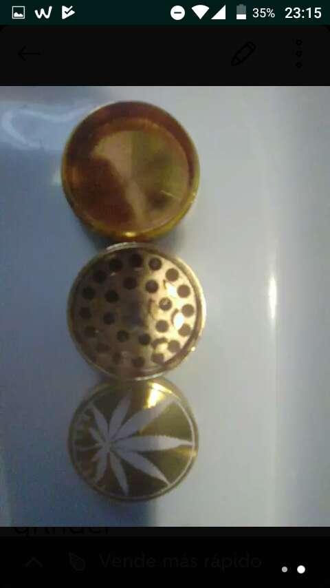 Imagen producto Grinder metálico color oro 2