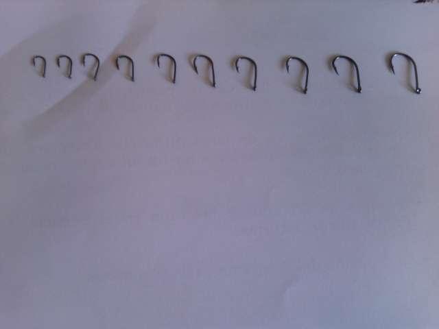 Imagen producto Caja 600 anzuelos 3