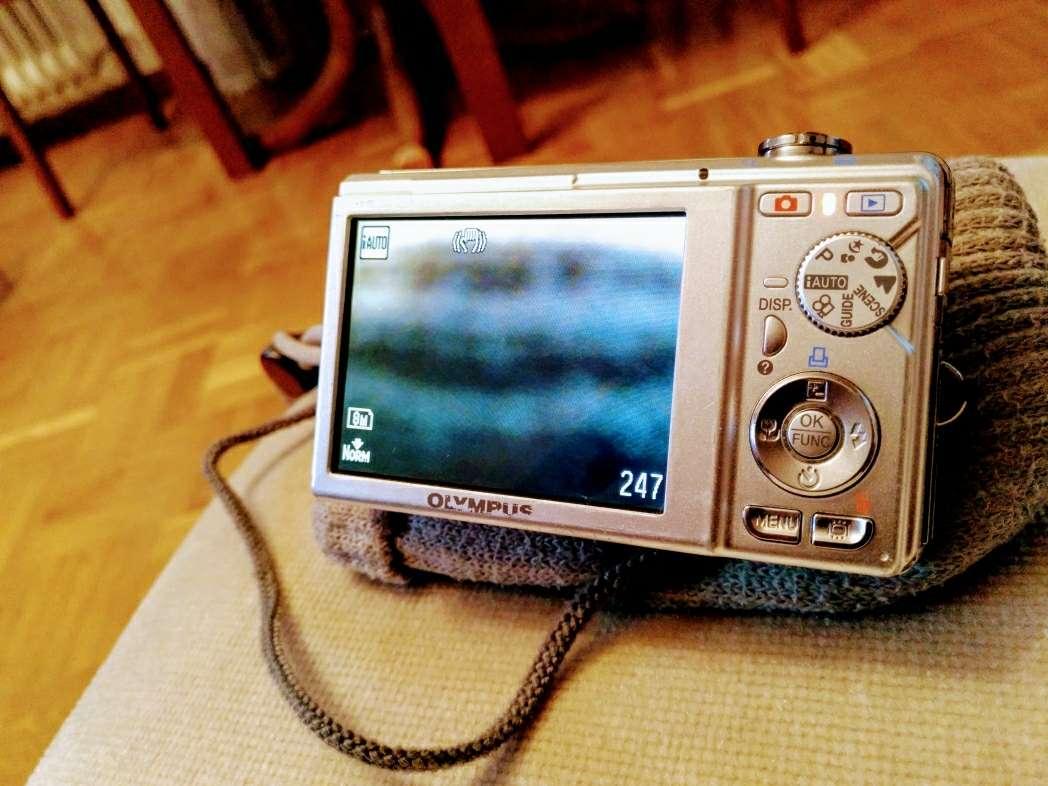 Imagen producto Cámara digital Olympus FE-370 2
