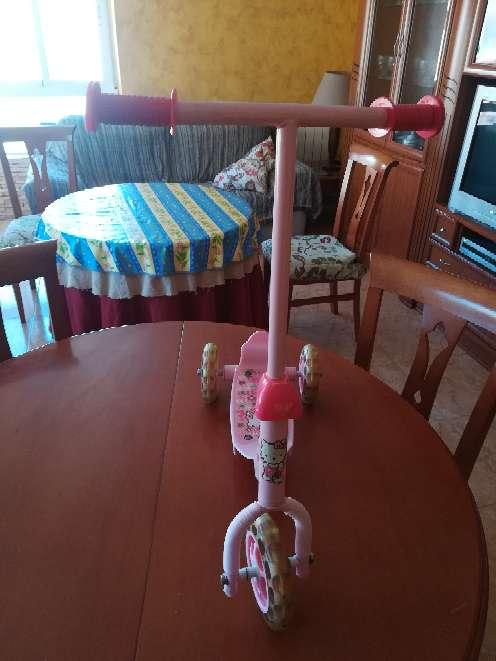 Imagen producto Triciclo de niña de color rosa  3