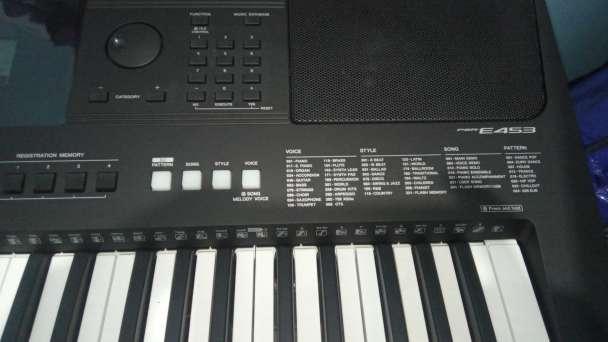 Imagen Yamaha psr453 un mes de compra