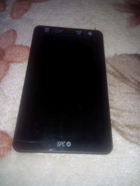 Imagen vendo tablet con cargador