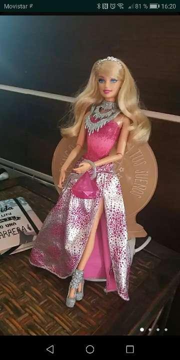 Imagen Barbie fashionista cambio de cabeza