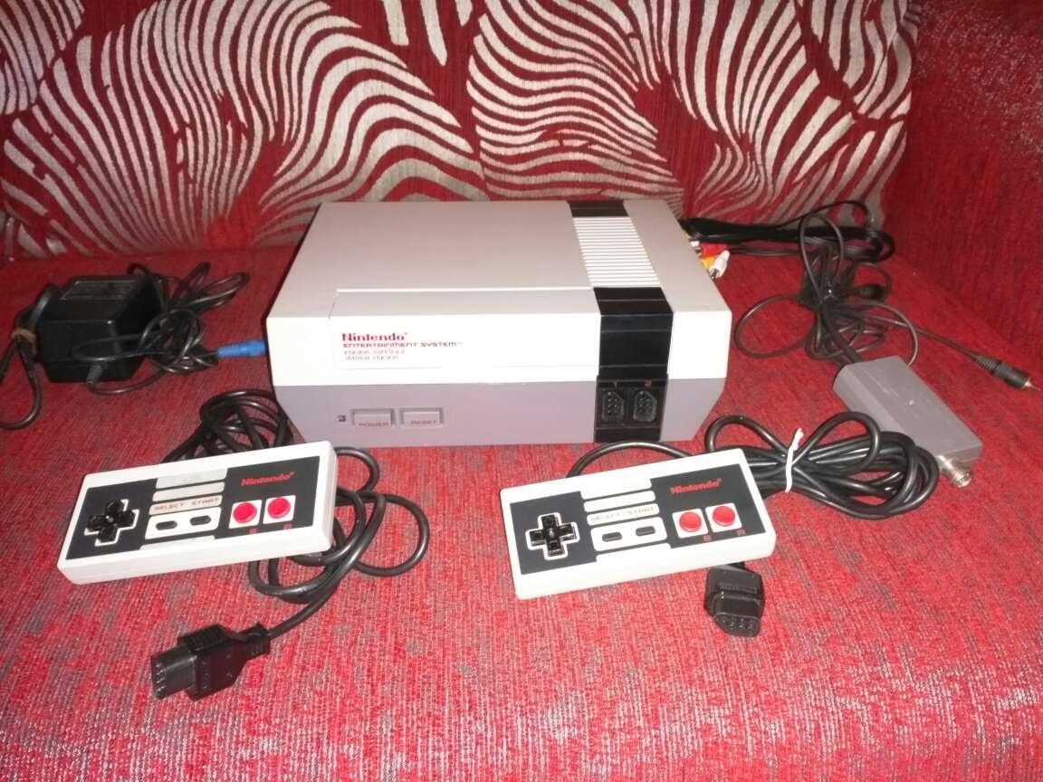 Imagen Nintendo nes con 2 mandos