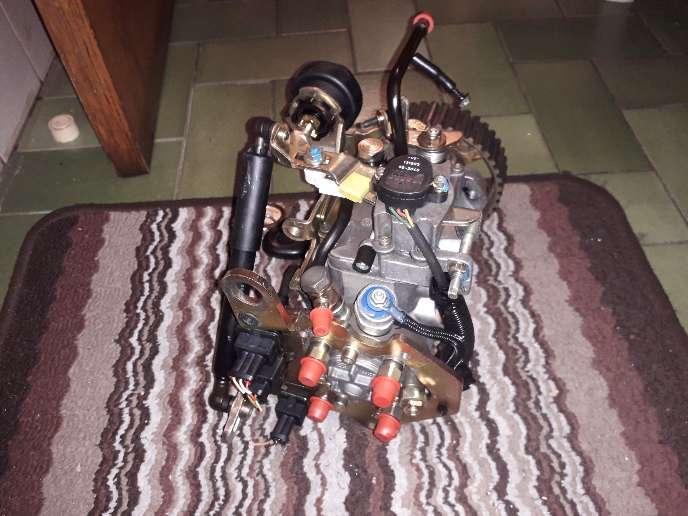 Imagen producto Bomba de inyección diésel peugo206 2