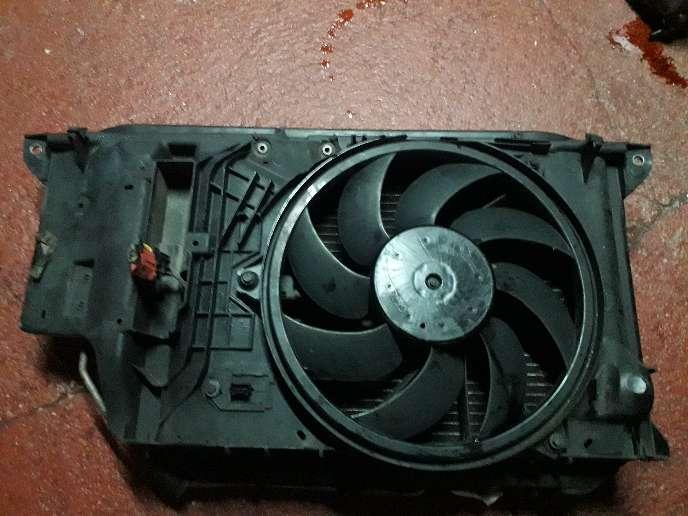 Imagen vendo ventilador entero de peugot 206