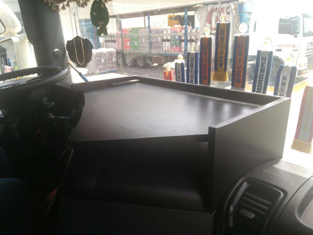 Imagen producto Mesa para salpicadero Scania 2