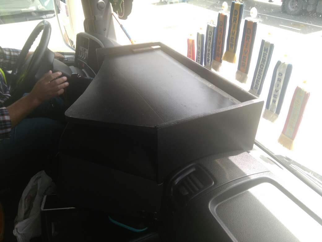 Imagen producto Mesa para salpicadero Scania 3