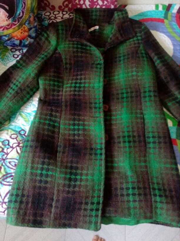 Imagen Abrigo corto verde y marrón