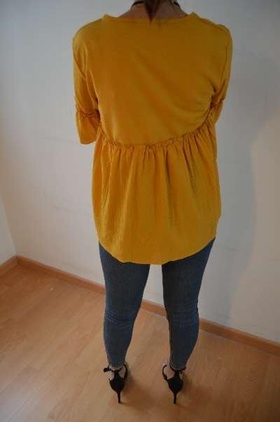 Imagen blusa color amarillo mostaza