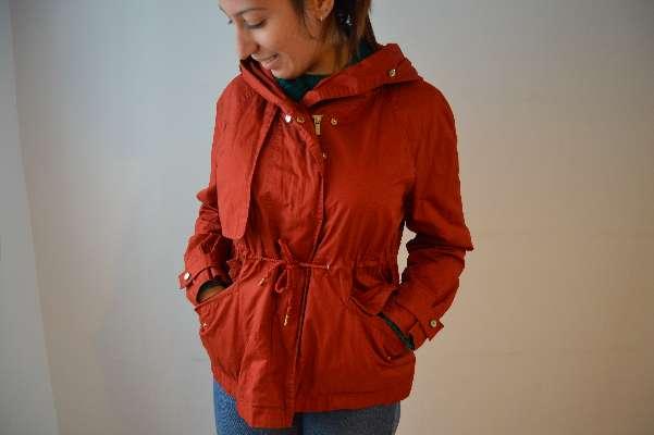 Imagen producto Chaqueta roja con fruncido ZARA  3