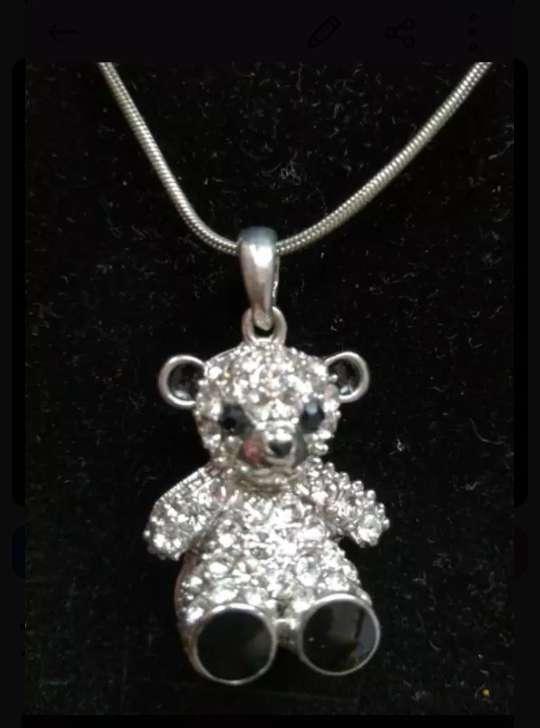 Imagen collar de oso