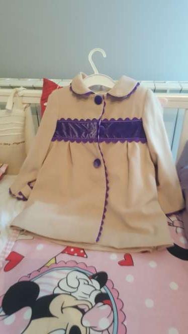 Imagen abrigo de Nini