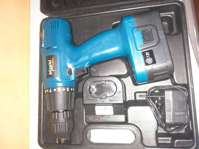 Imagen taladradora con bateria
