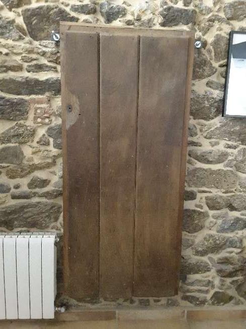 Imagen Puerta de castaño antigua