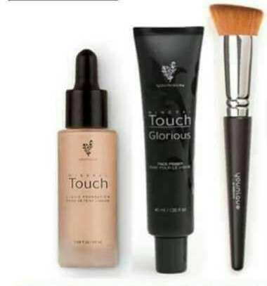 Imagen producto Maquillaje kit younique  1