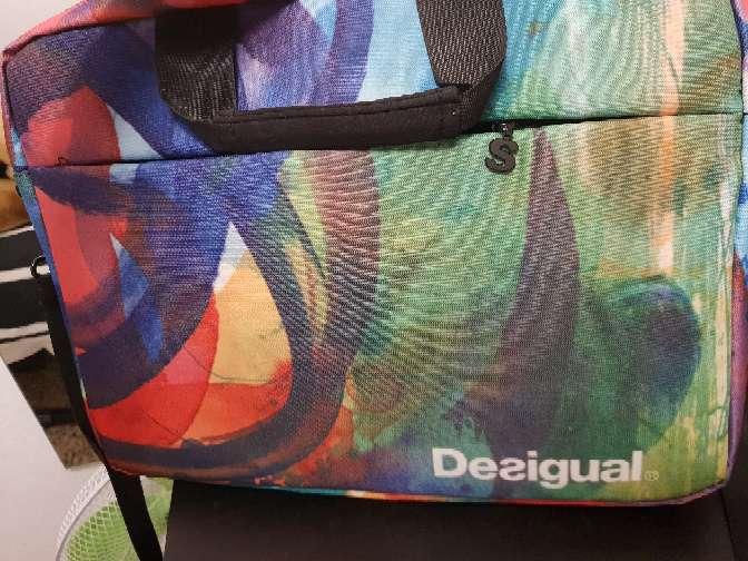 Imagen desigual mochila