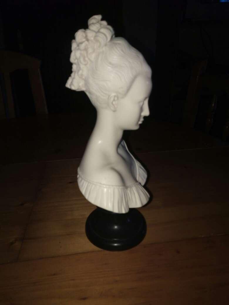 Imagen producto Precioso busto de marmol de mujer 2