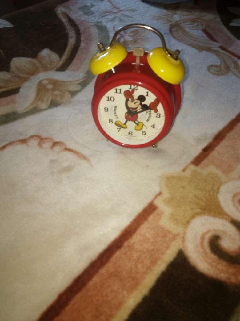 Imagen producto Genial reloj Mickey Mouse despertador Bradley 1