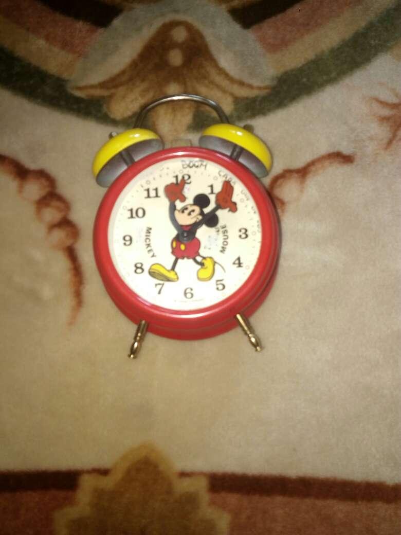 Imagen producto Genial reloj Mickey Mouse despertador Bradley 4