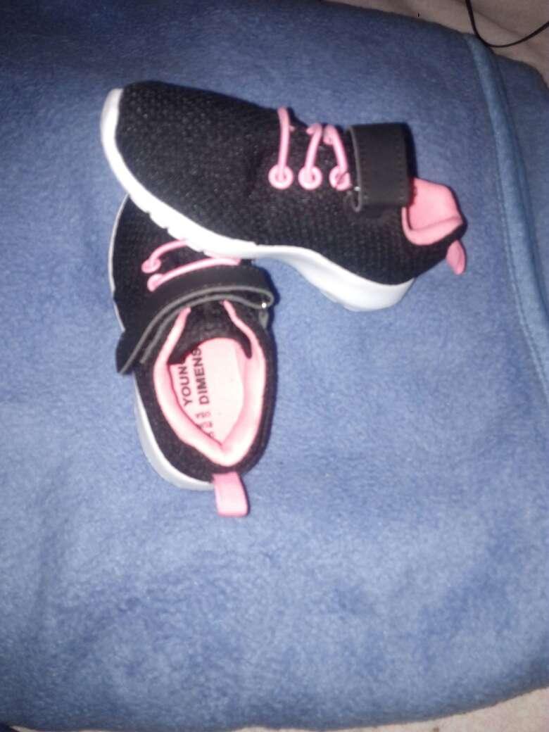 Imagen producto Zapatitos para niña talla 24 color negros con ros 2