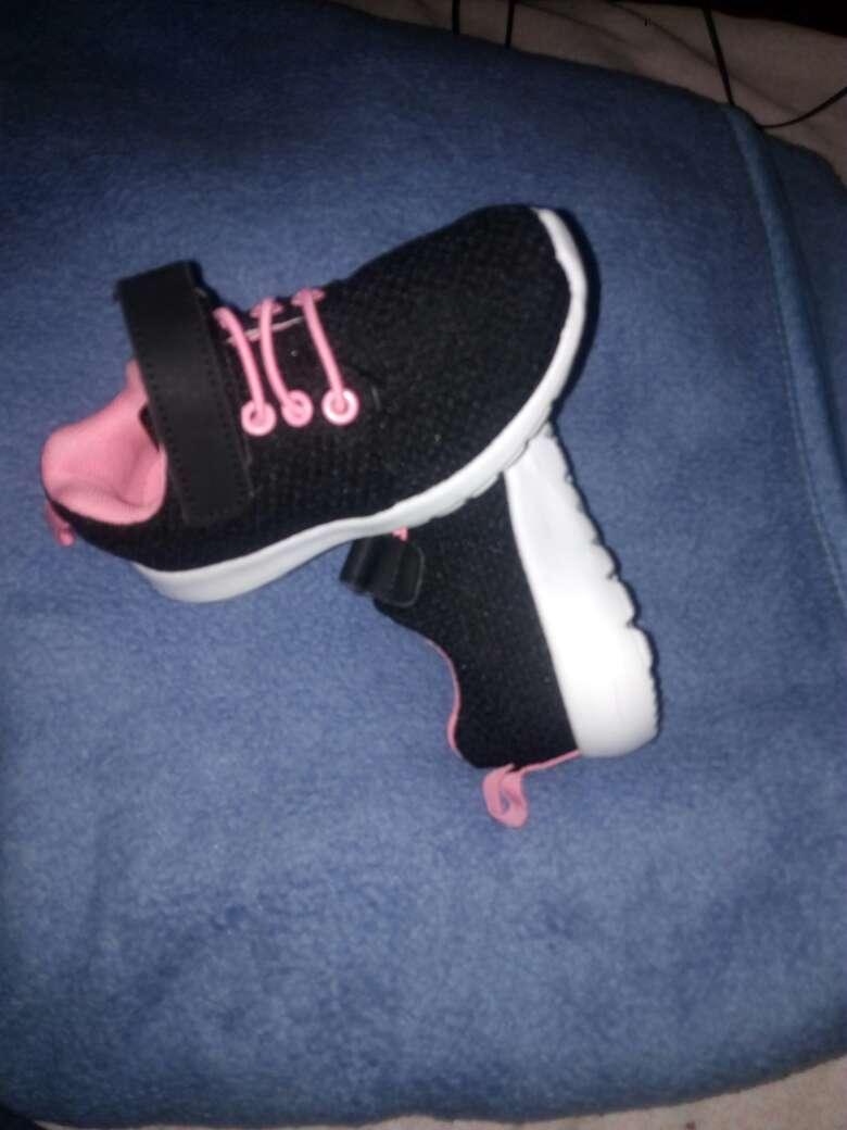 Imagen producto Zapatitos para niña talla 24 color negros con ros 4