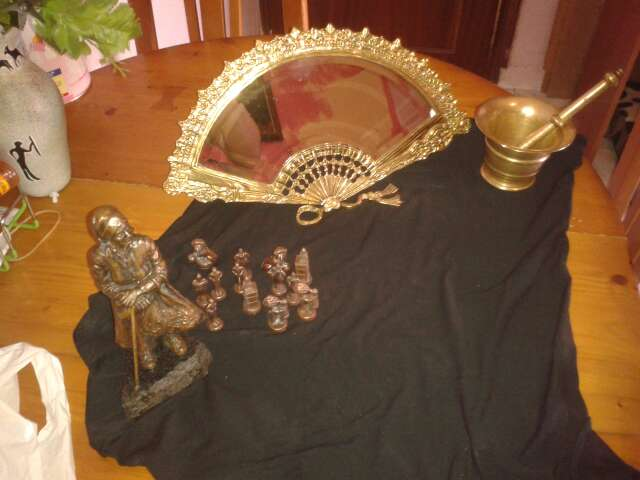 Imagen producto Espejo abanico de bronce y montero de bronce 4