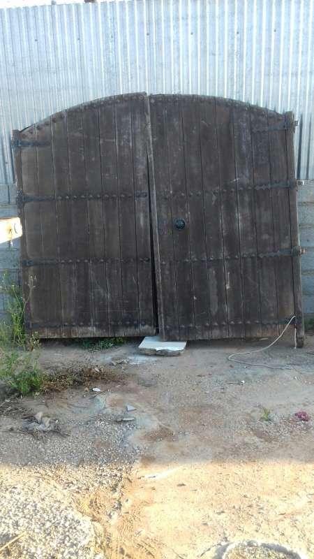 Imagen puerta antigua