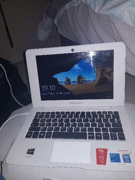 Imagen producto Vendo portátil funciona perfectamente esta con su caja y su cargador todo nuevo solo se a usadoo 1 mes  3