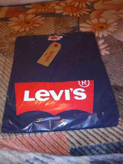 Imagen camiseta de levis