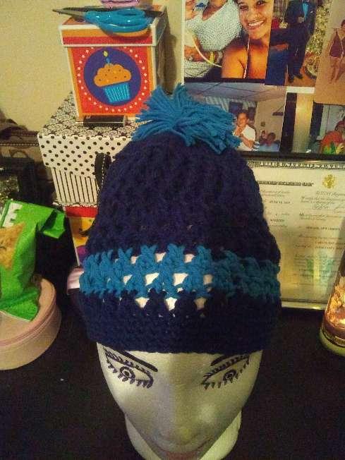 Imagen gorros tejidos a crochet también carteras y vestiditos