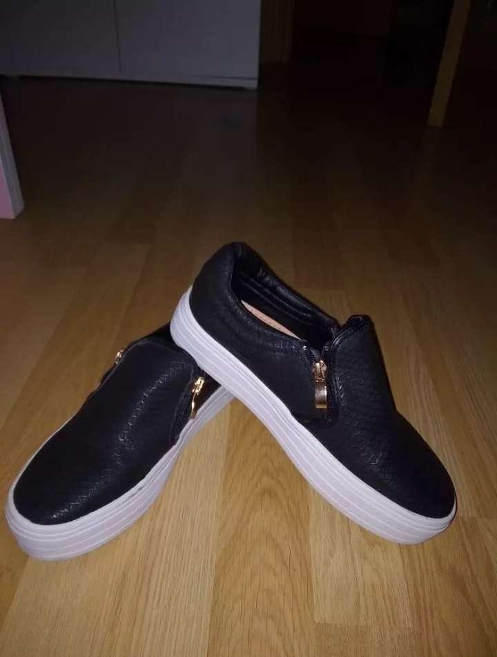 Imagen zapatos de chica