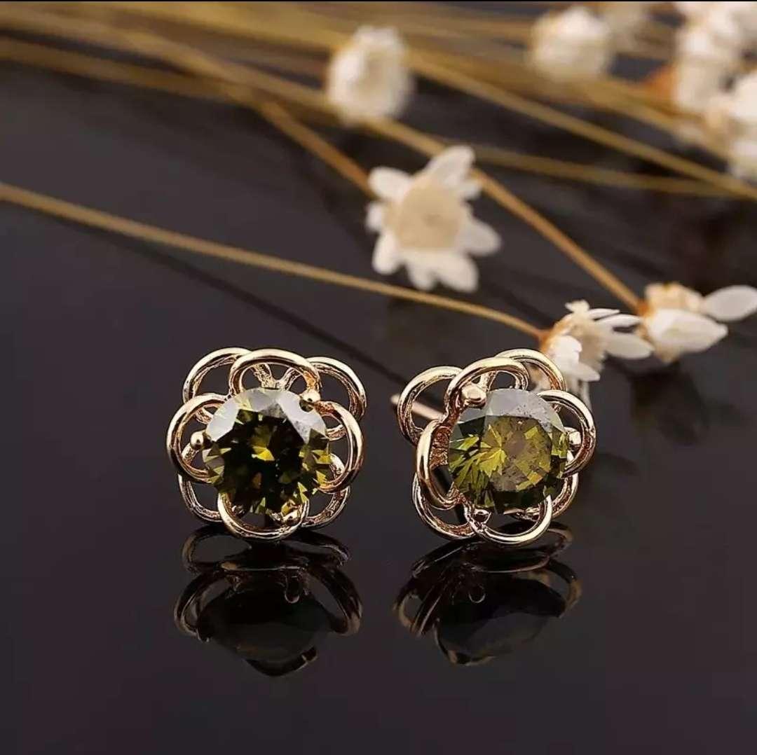 Imagen Pendientes en flor verdes