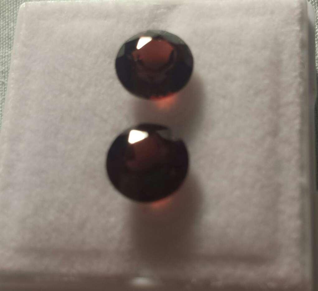 Imagen producto Pareja de granates certificados  4