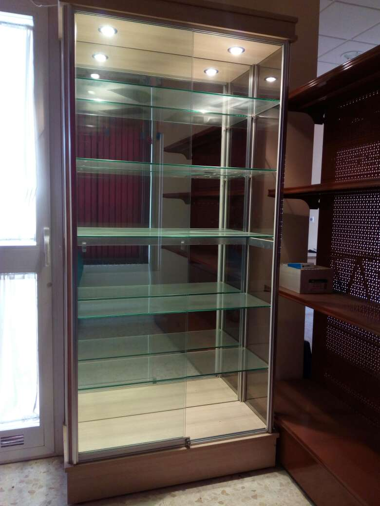 Imagen producto Dos vitrinas para Exhibicion 5