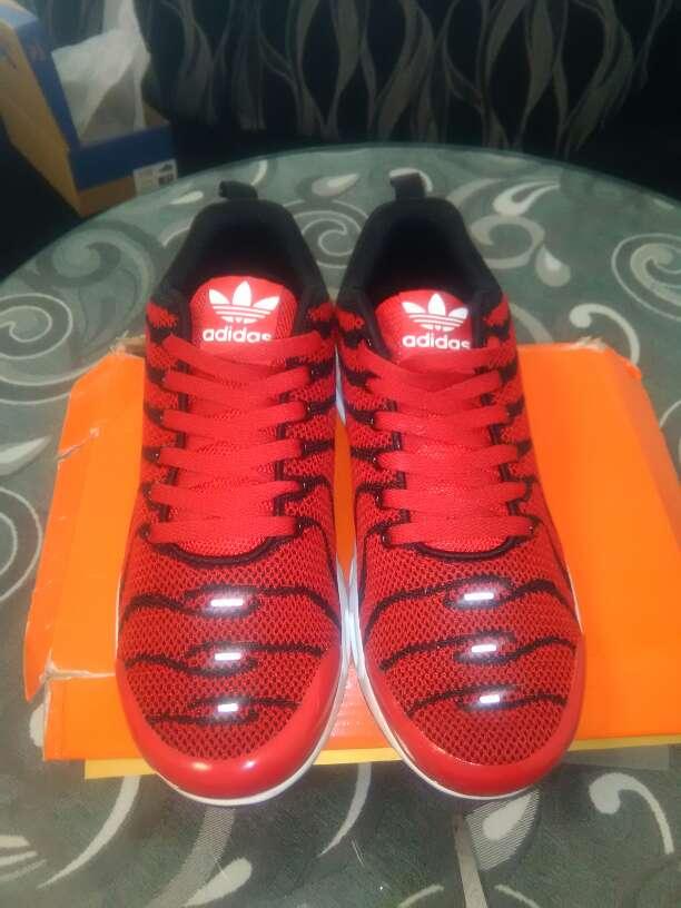 Imagen producto Zapatillas deportivas nacionales 1