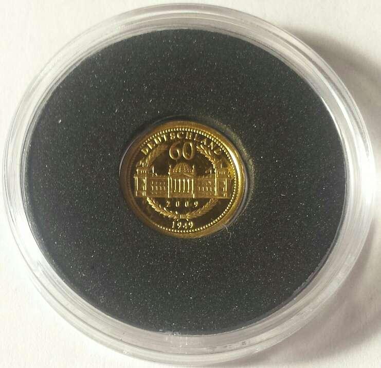 Imagen producto Variedad en monedas de oro  4