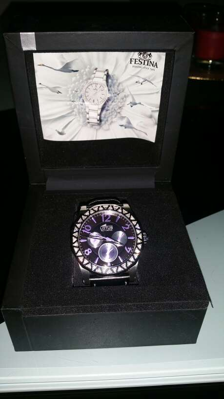 Imagen reloj de piel lotus