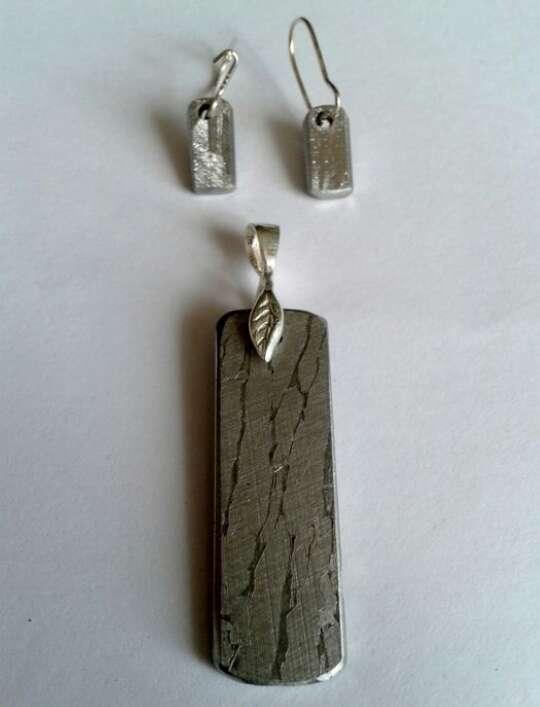 Imagen producto Colgante de meteorito Seymchan y pendientes  4