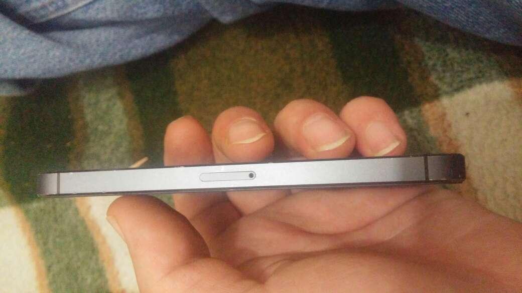Imagen producto Vendo 2 moviles un iPhone 5 y wiko 4