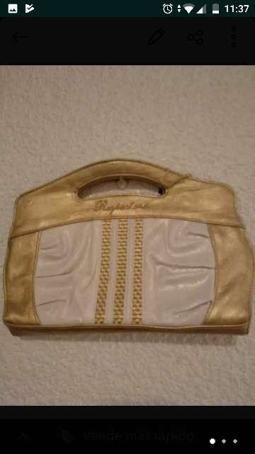 Imagen bolso dorado