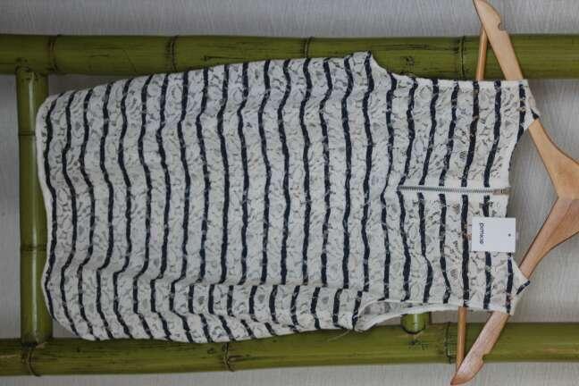 Imagen producto Camiseta blanca y azul marino verano 2