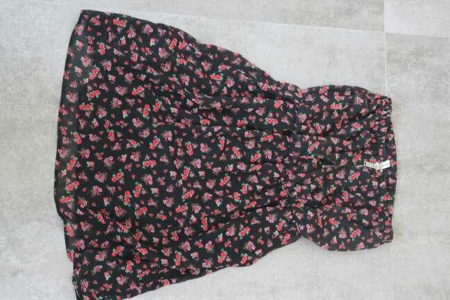 Imagen vestido corto verano negro flores